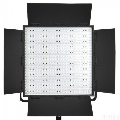 CN600HS Nanguang PRO Series 600 LED Panel Light 36x40cm